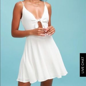 This is a Lulus white tied dress
